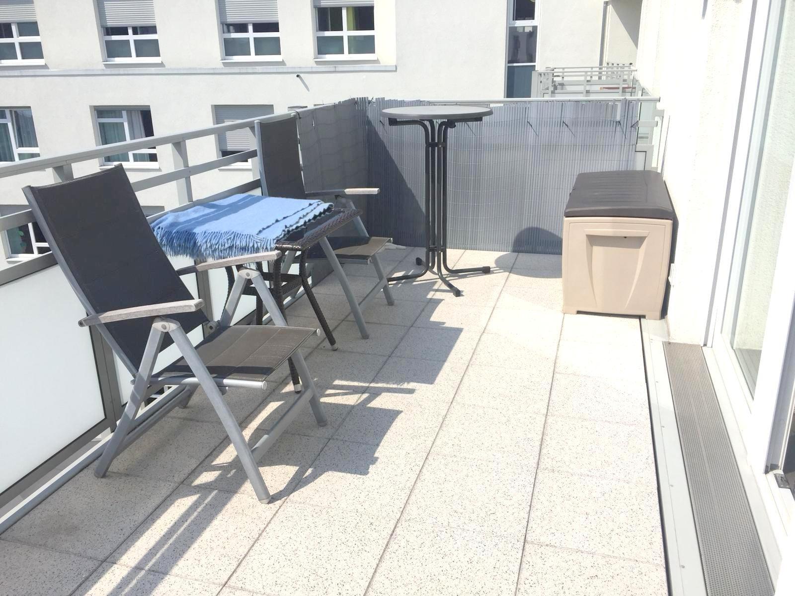 wer sucht eine moderne 2 zimmerwohnung in der innenstadt von dortmund koba. Black Bedroom Furniture Sets. Home Design Ideas